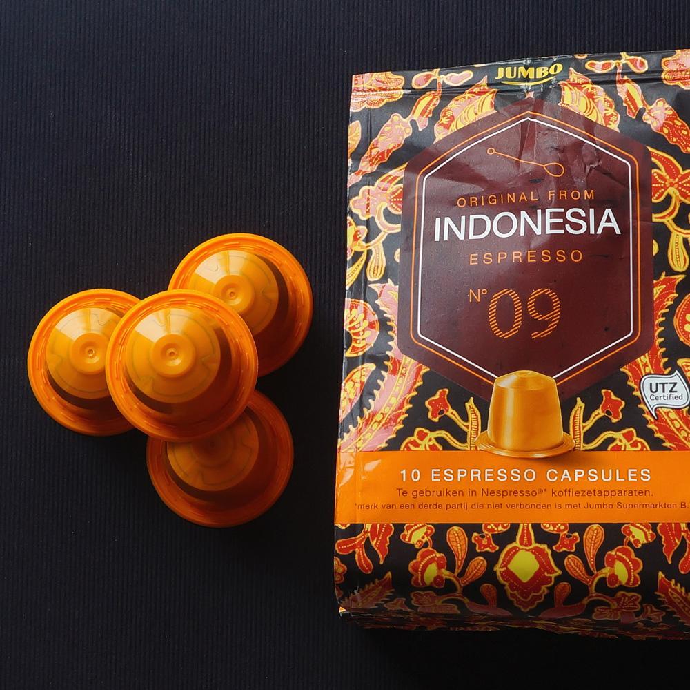 Indonesia by Jumbo - Four orange coffee capsules with vivid bag