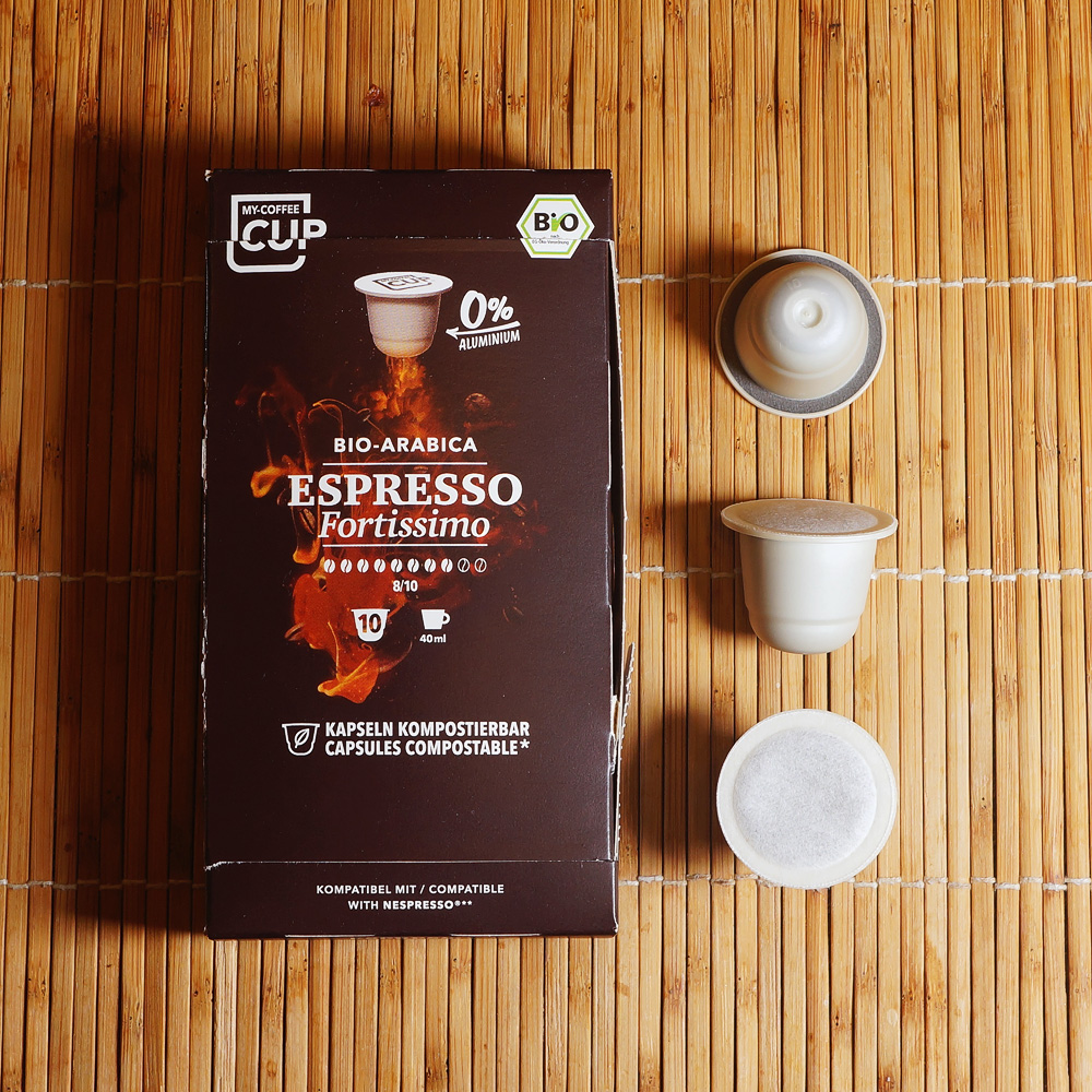 Espresso Fortissimo - a box with three coffee capsules on the right hand side